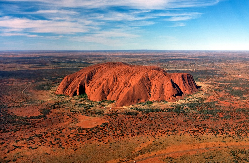 Uluru__helicopter_view__cropped_1.jpg